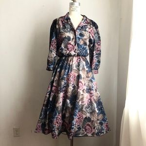 Vintage dress fit & flare full skirt roses large